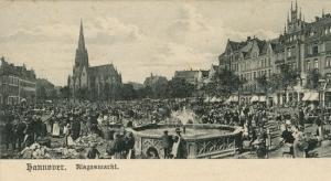 Markttreiben auf dem Klagesmarkt, um 1900. Zeitgenössische Postkarte