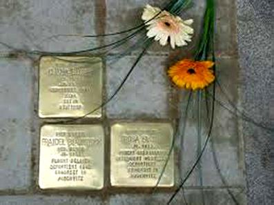 Die am 13. November 2008 vor dem Gebäude Am Marstall 14 verlegten Stolpersteine